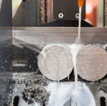 Reduce Downtime with a Consistent Bandsaw Maintenance Schedule